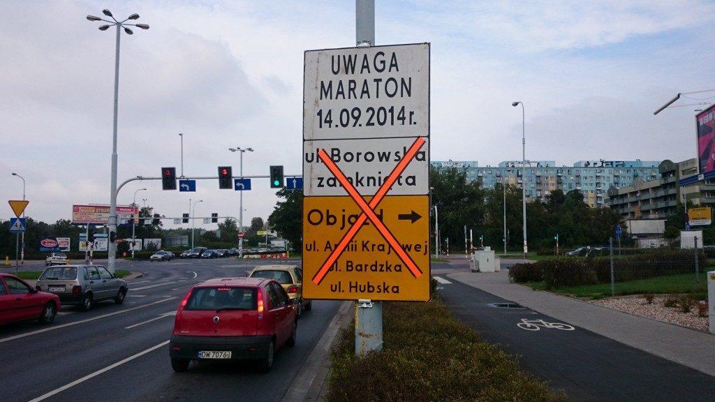 znaki uwaga maraton